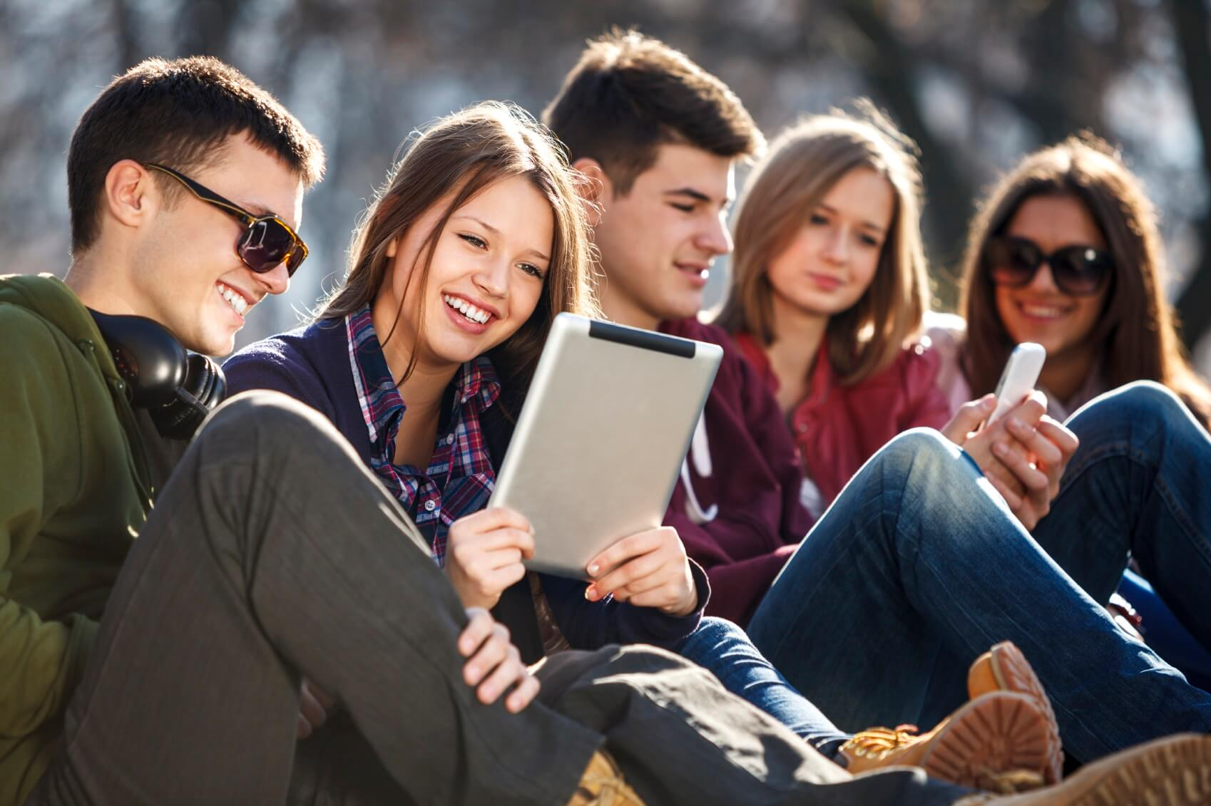 Kids Traveling Abroad - New Risks With Smartphones and Laptops.