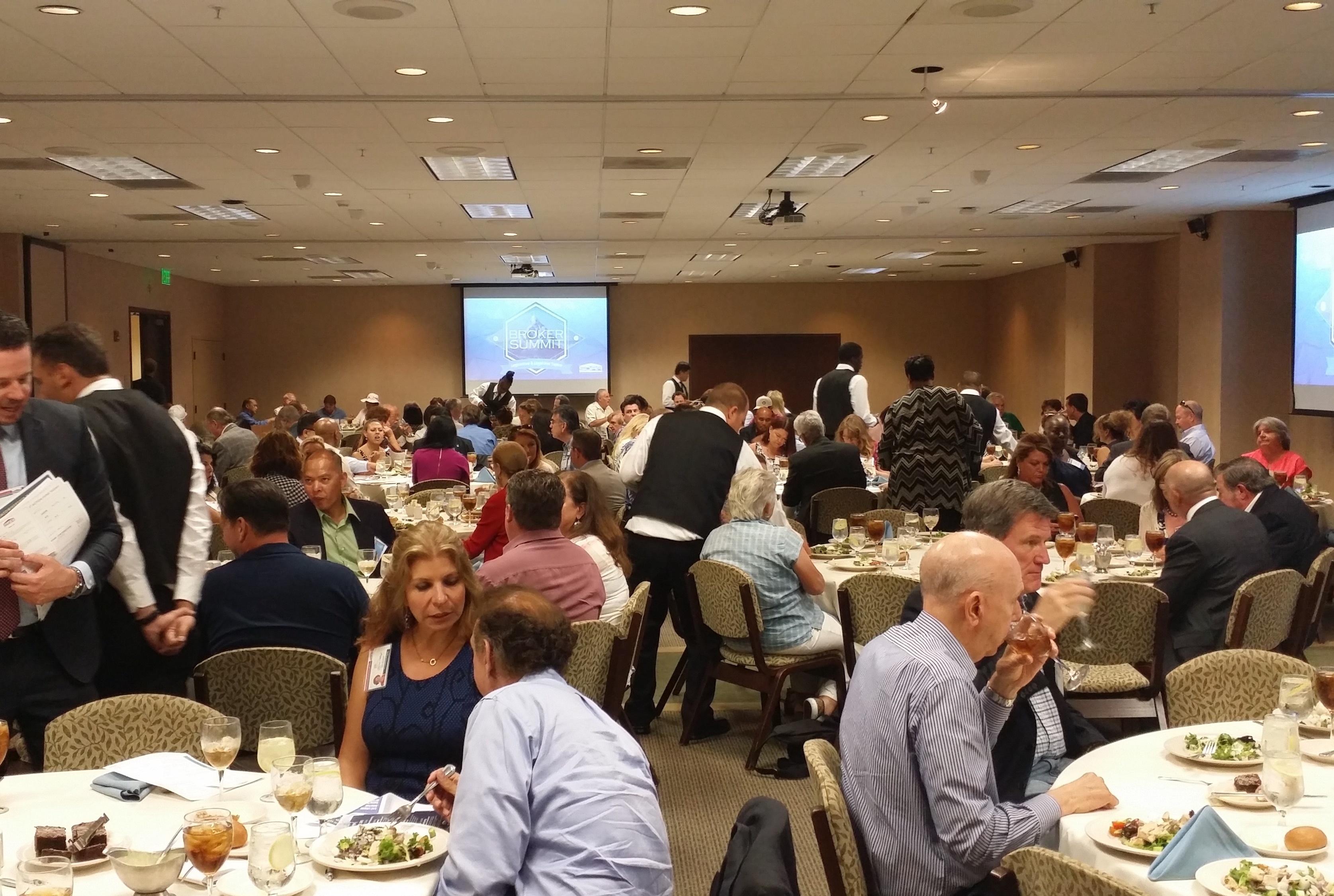 SDAR_Broker_Summit_luncheon.jpg