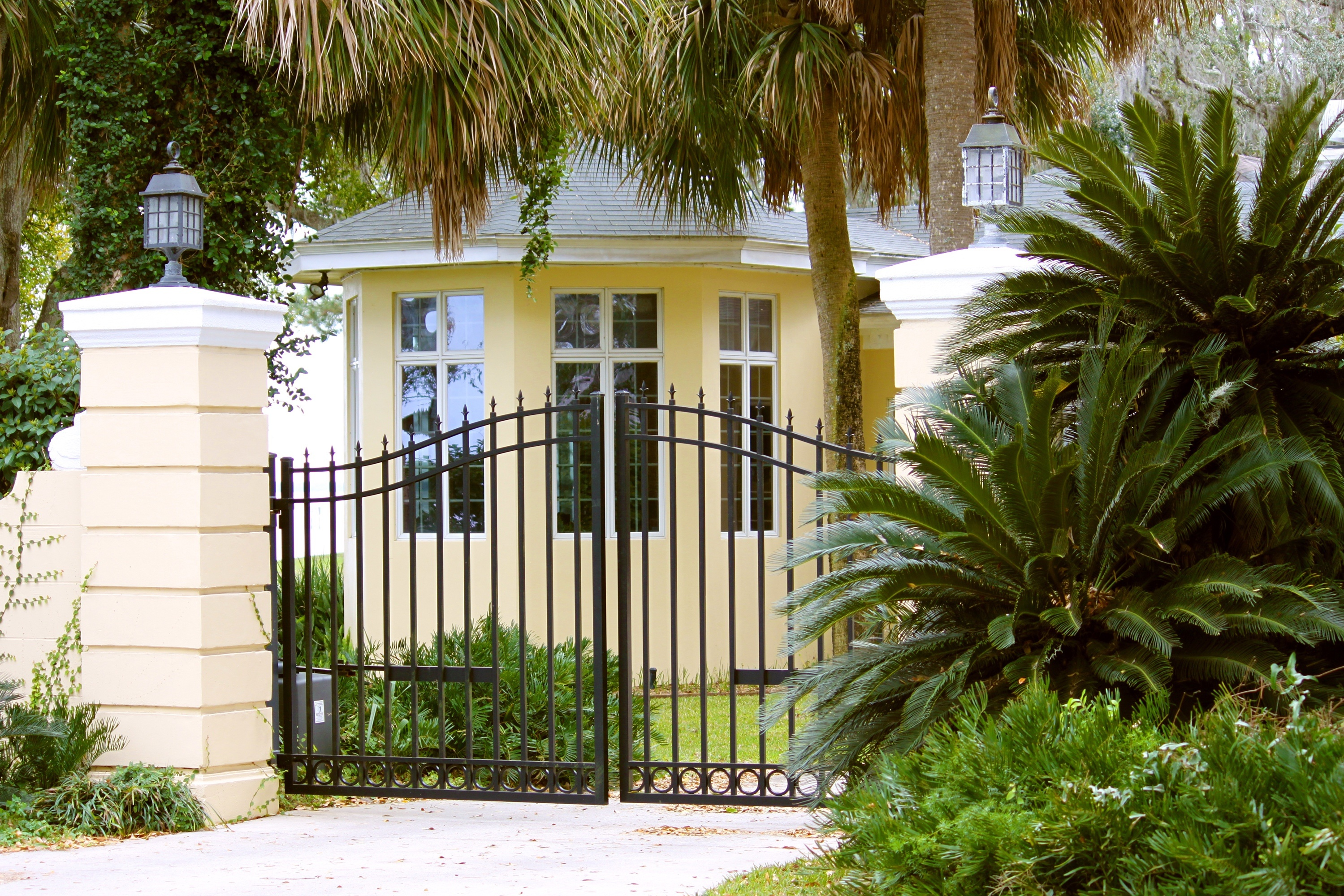 real_estate_gated_home_palms_rx.jpg
