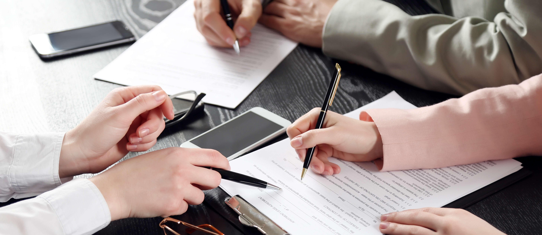 lawyer_documents_device_signbanner_crop.jpg
